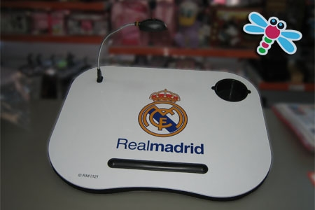 Mesa de estudio del Real Madrid por solo 15 € en juguetes Fantasía de Huercal Overa.