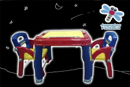 Conjunto de mesa y sillas para tus peques por solo 30 € en Juguetes Fantasía de Huercal Overa.
