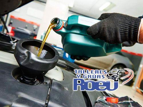 Mano de obra gratis en el cambio de aceite y filtro. Talleres y Gruas Roev, mecánicos en Albox