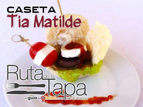 Ruta de la Tapa en Bar Caseta Tia Matilde de Cela-Lúcar: Minihamburguesa de Buey y Crujiente de Queso con Cebolla caramelizada