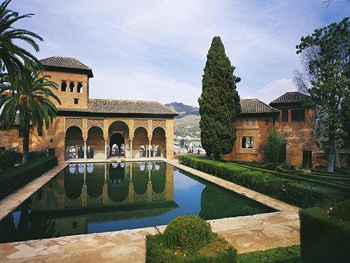 Visita guiada al Conjunto Monumental de la Alhambra y Generalife sin colas