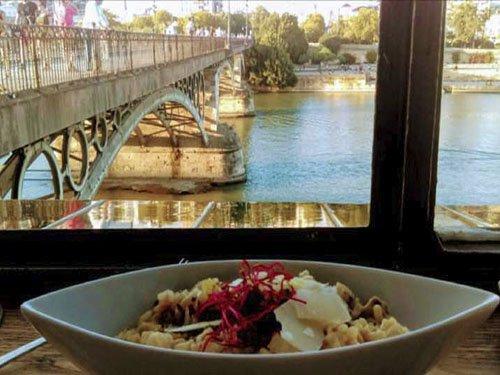 Ruta de tapas en Sevilla: Barrio de Triana