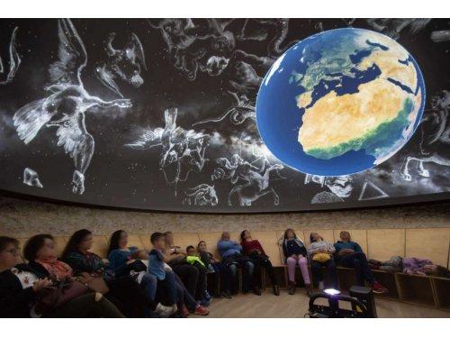 Sesión de Planetario en directo + Película. Serón