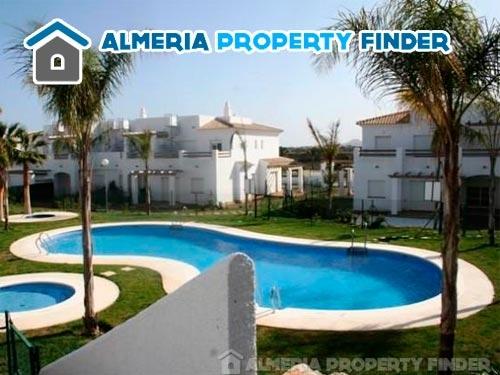 Urbanización privada Vera Playa al alcance de tu mano con Almería Property Finder en Albox